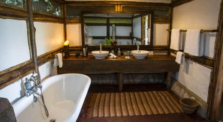 Buhoma Lodge Bathroom