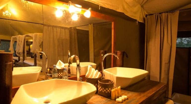 Naona Moru Camp Bathroom