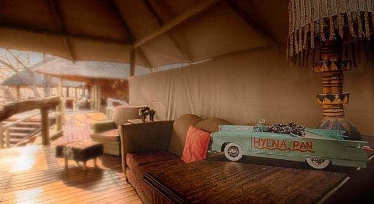 Hyena Pan Lounge