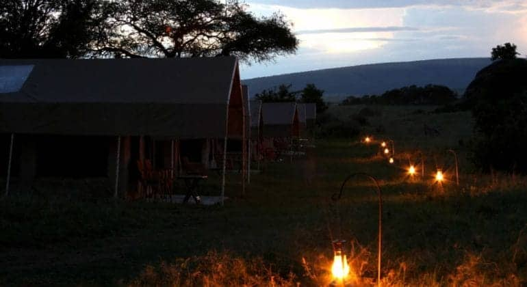 Intimate Camps In The Evening