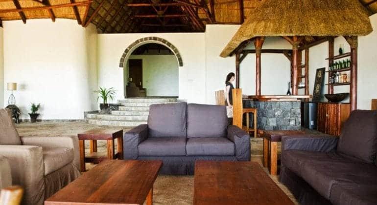 Mikeno Lodge Bar