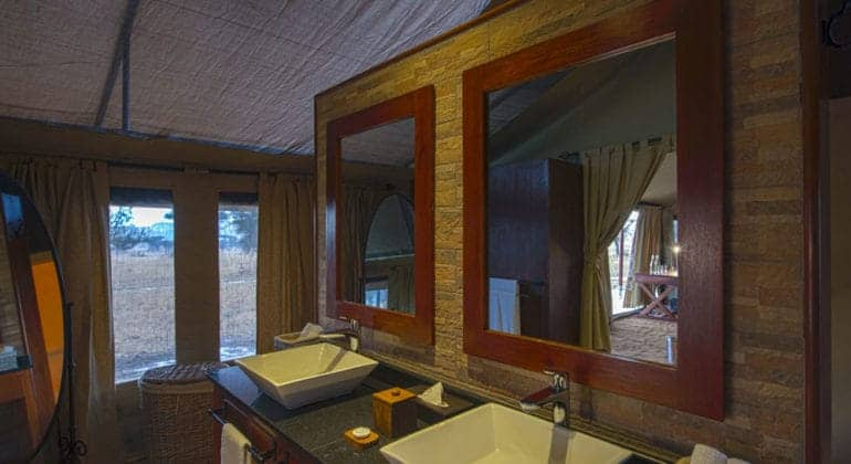 Nimali Central Serengeti Bathroom