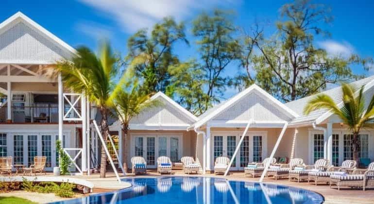 Thanda Island Poolside