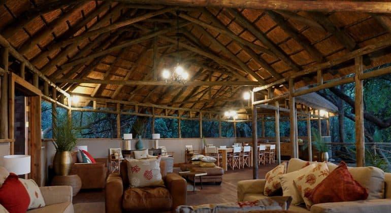 Setari Camp Lounge