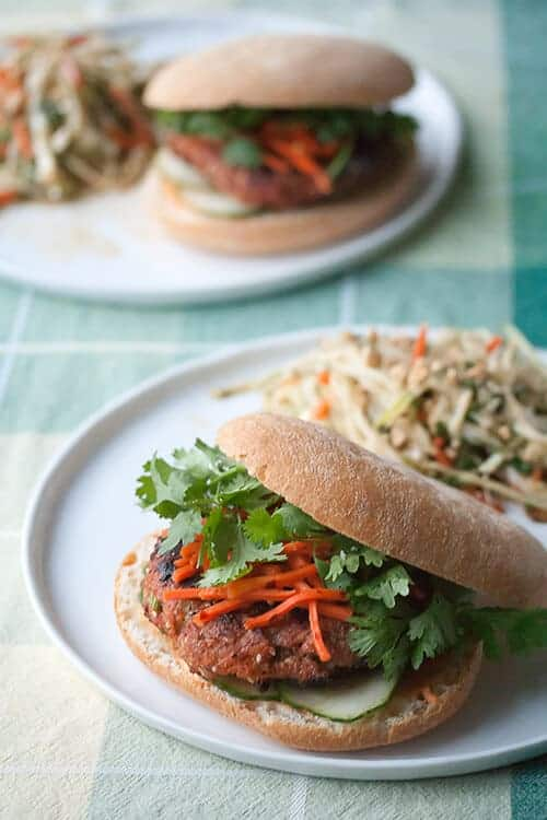 Secret Recipe Club: Sriracha Turkey Burgers