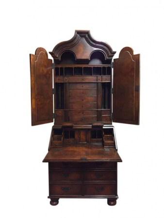 Venetian Desk