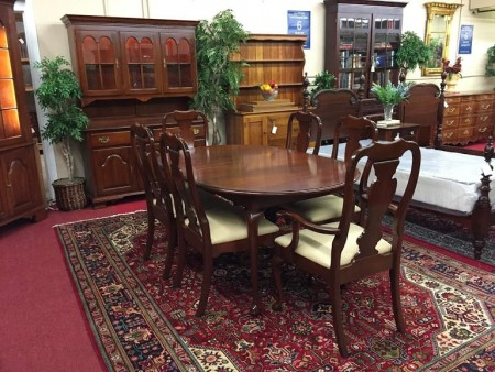 colonial furniture table and chairs