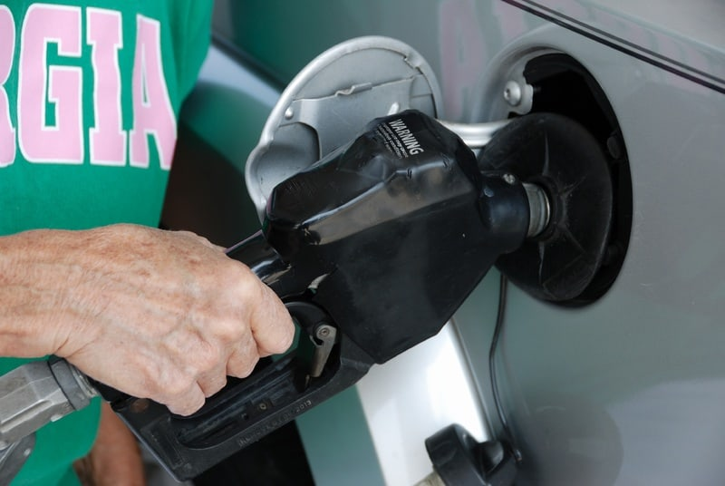 Qué pasa si echo diésel a un coche gasolina
