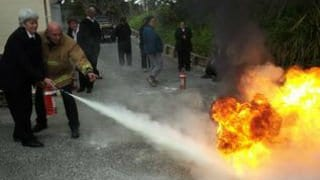 Fire-Rescue-First-Response-Wardens-Extinguisher-Training-320