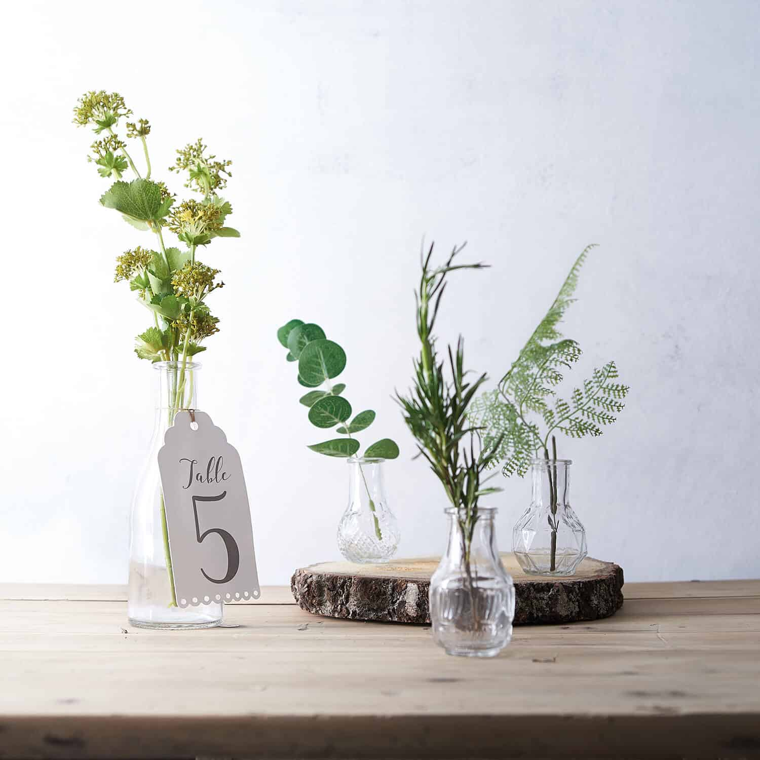 Diffused lighting in this product photograph for a florist