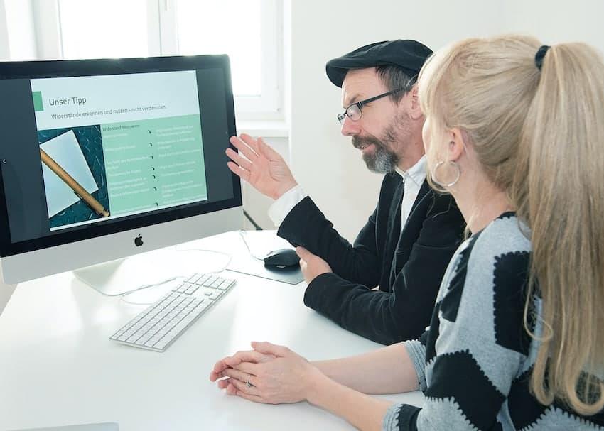 Infoport E-Learning Designer besprechen Entwurf Webbased Training