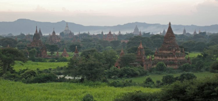 The temple highlights in Old Bagan
