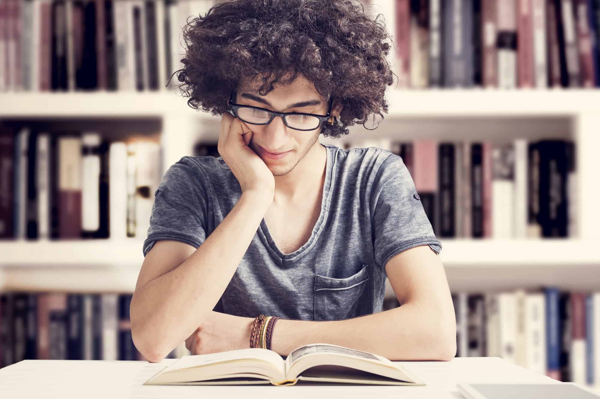 4 Ways to Get Your Teen Reading Again!
