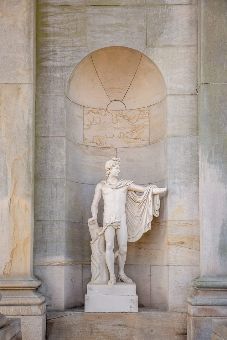 Photo of a statue at Wynyard Hall