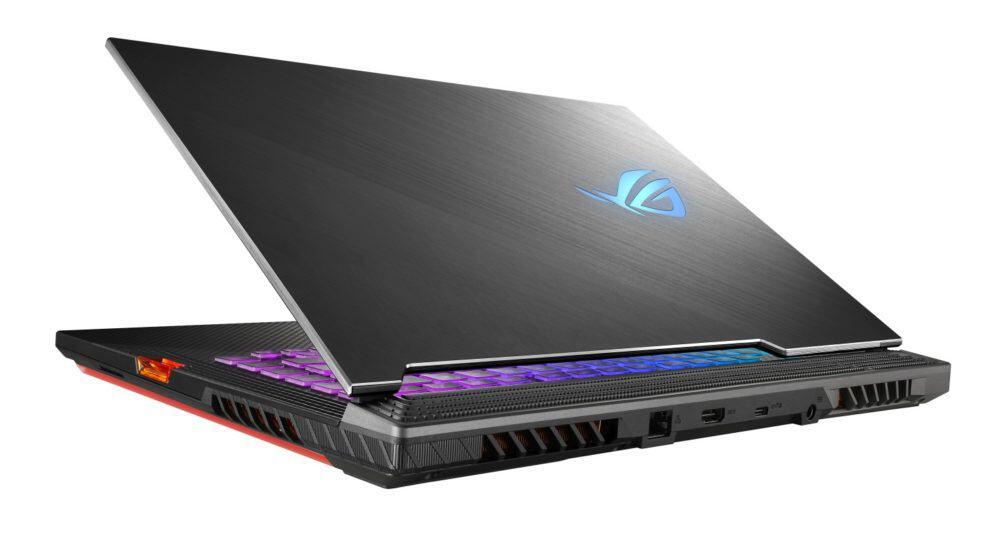 ASUS ROG Strix SCAR III – herní notebook sobnovovací frekvencí displeje až 240 Hz