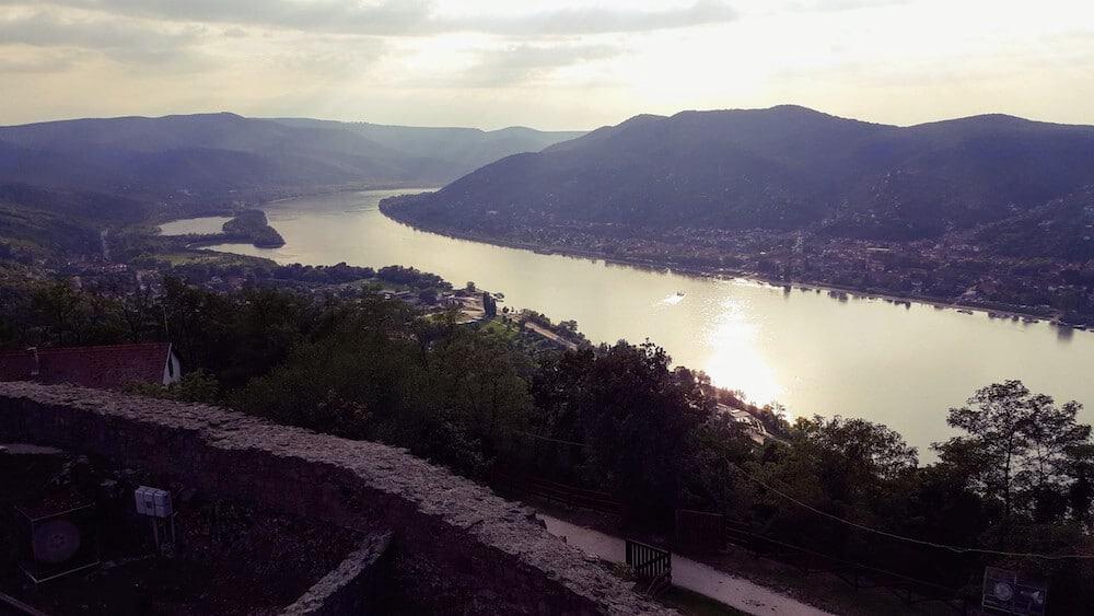 Kasteel van Visegrad Hongarije - Beste uitzicht over de prachtige Donauknie