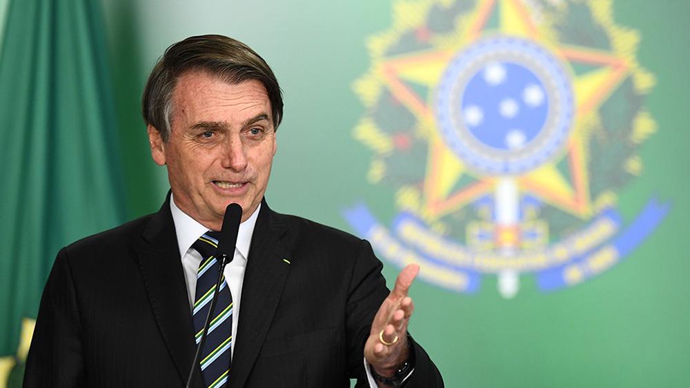 """Bolsonaro calificó de """"héroe nacional"""" a militar de la dictadura"""