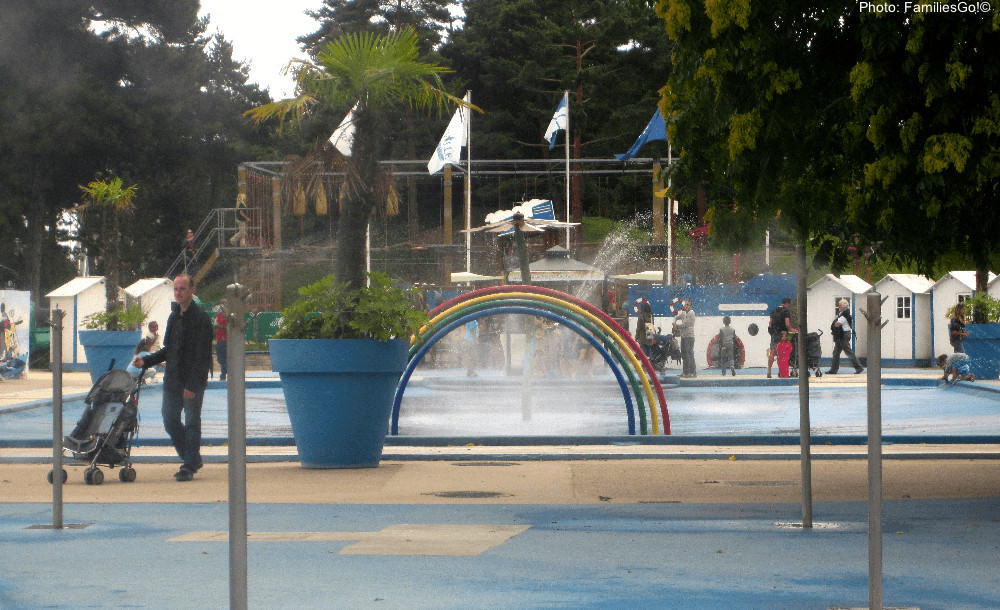 A playground at the jardin acclimitation