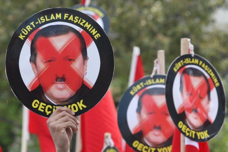 Эрдоган не собирается отпускать немецкого журналиста фото 1