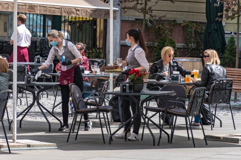 Рестораны в Германии открывают летние площадки