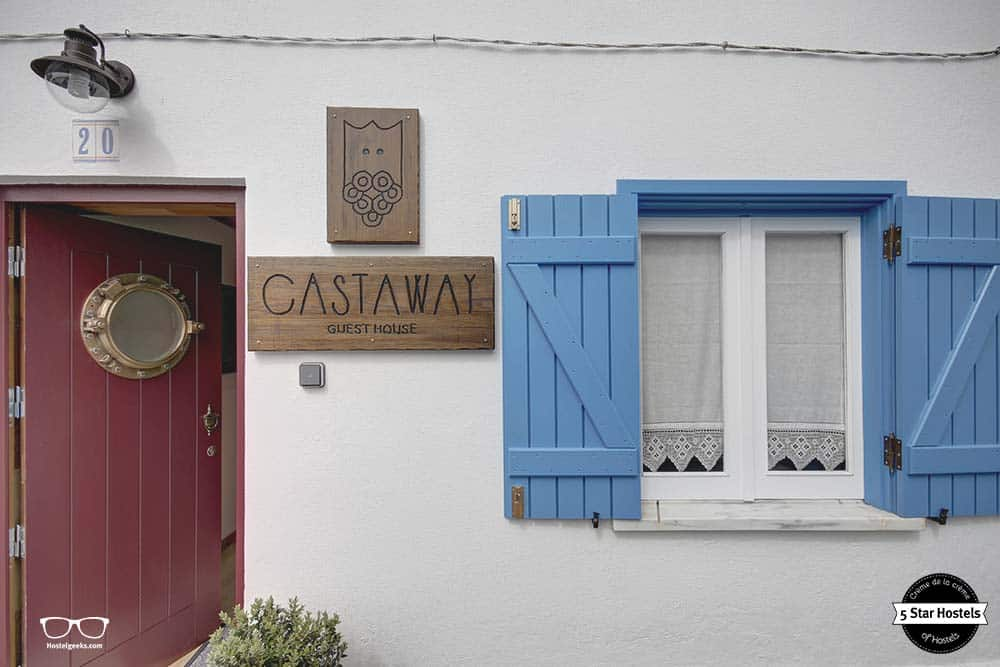 The cute Castaway building from the outside