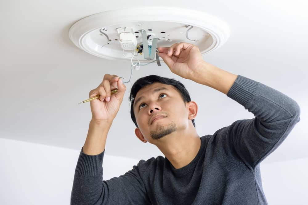 electrician install light singapore
