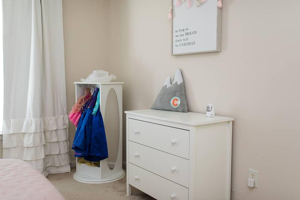 Guidecraft dress up storage for girls