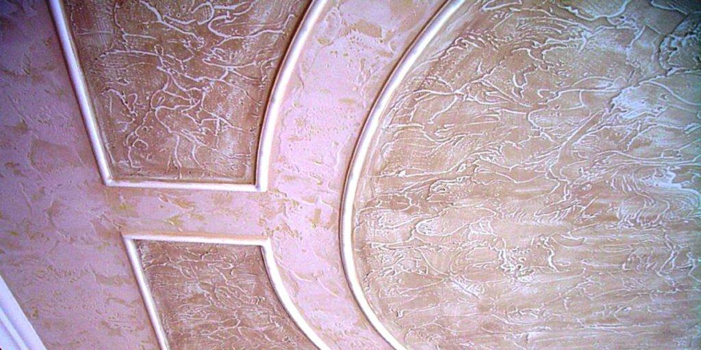 Декоративная штукатурка на потолке из обычной шпаклёвки