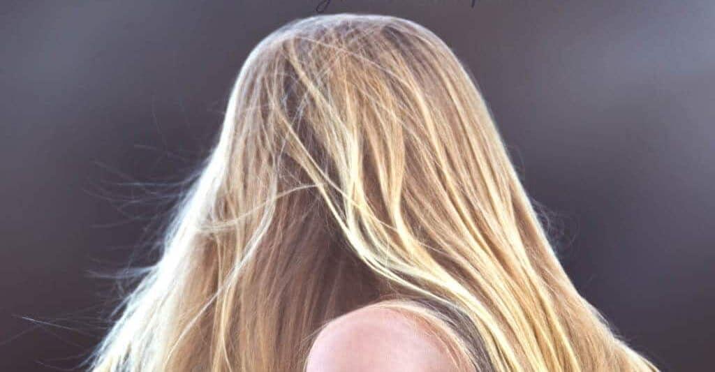 Hair Growth Oil - The Natural Secret To Long Beautiful Hair