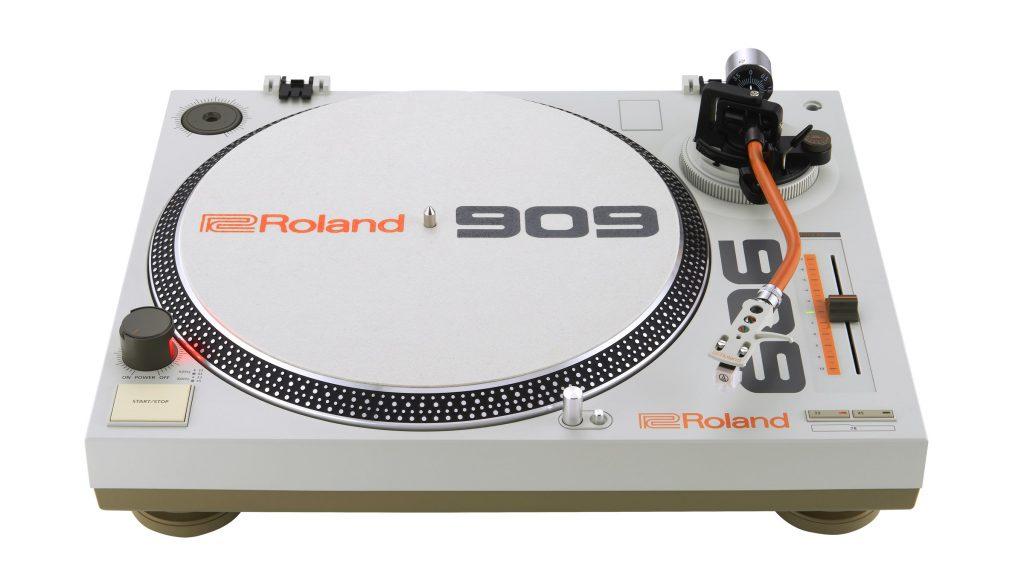 Roland_TT-99_Front