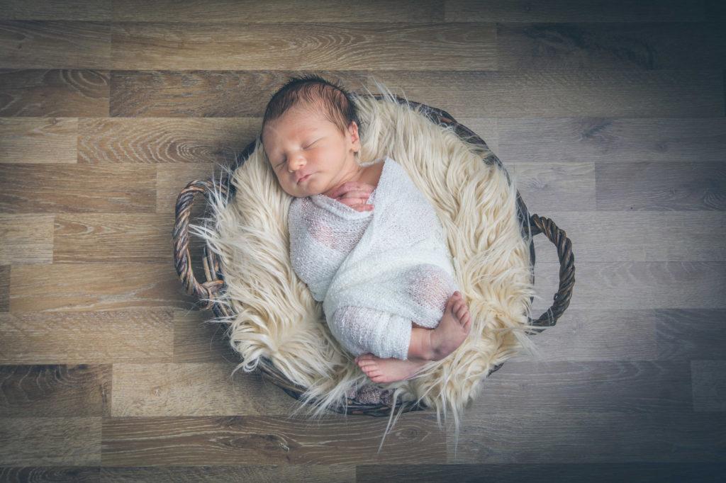 les achats indispensables avant la naissance de bébé à prévoir durant la grossesse