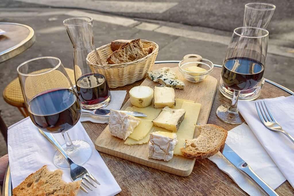 Paris romantic things to do