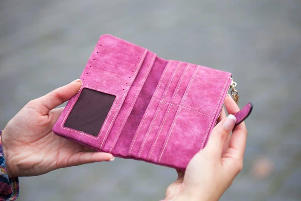 mom wallets 2020