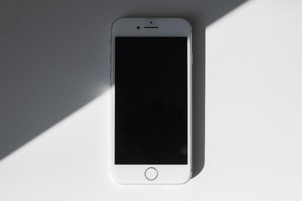 iphone 8 nie chce się włączyć