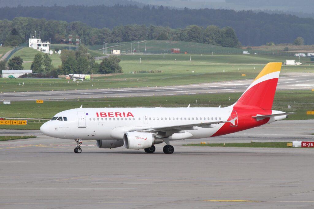 Iberia: Bei Flugausfall oder Flugverspätung bis zu 600 € Entschädigung pro Person.