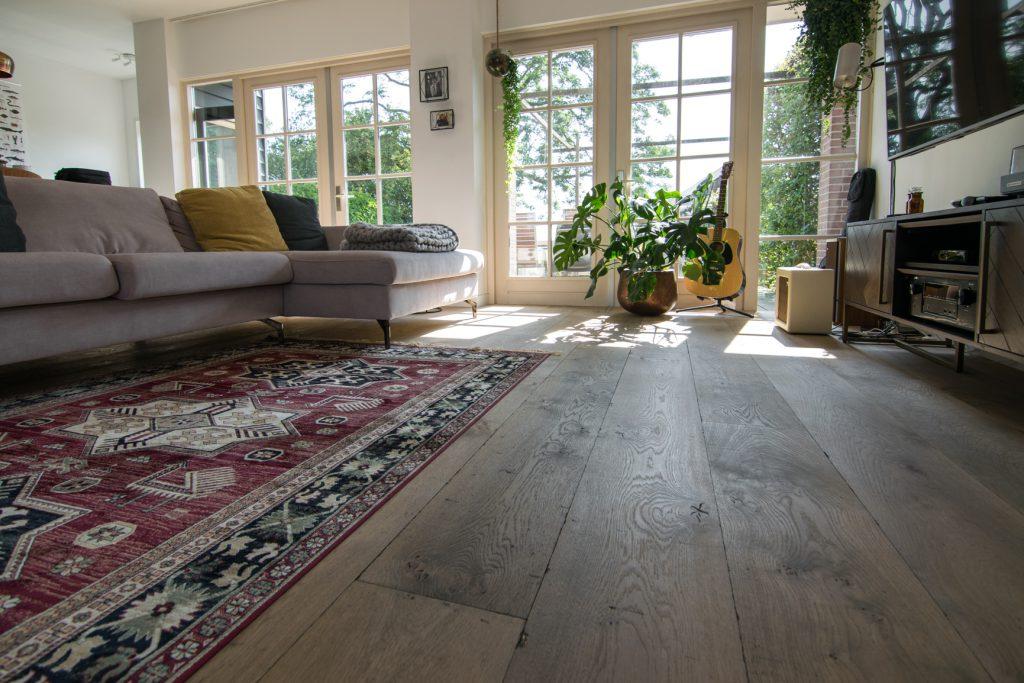 Gebeitste kasteel houten vloer