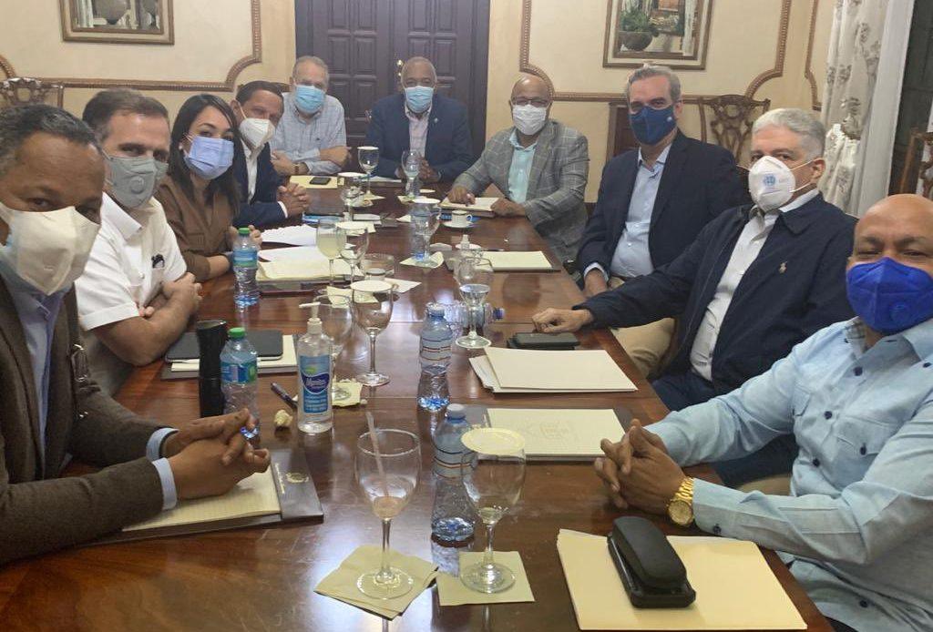 Abinader logra consenso entre senadores y diputados para Ley de Desarrollo Fronterizo