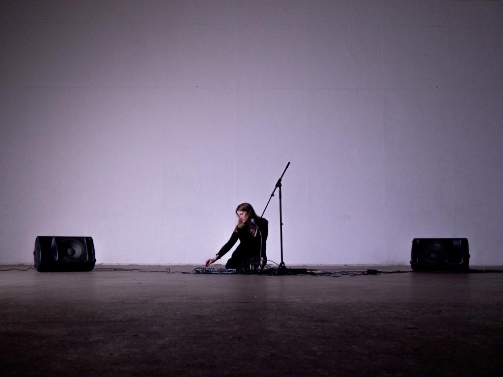 Lesley Flanigan - Hedera - Crane Arts 01