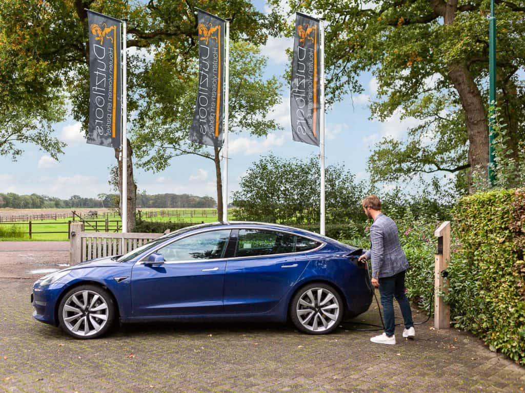 Elektrische auto opladen bij Dutzfloors