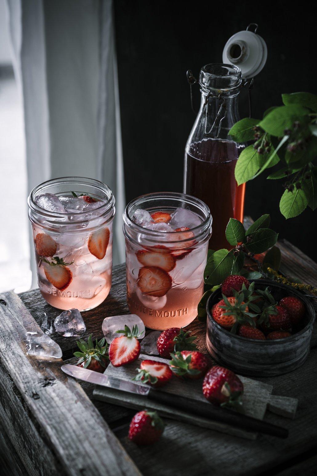 Selbstgemachter Erdbeerminz Sirup