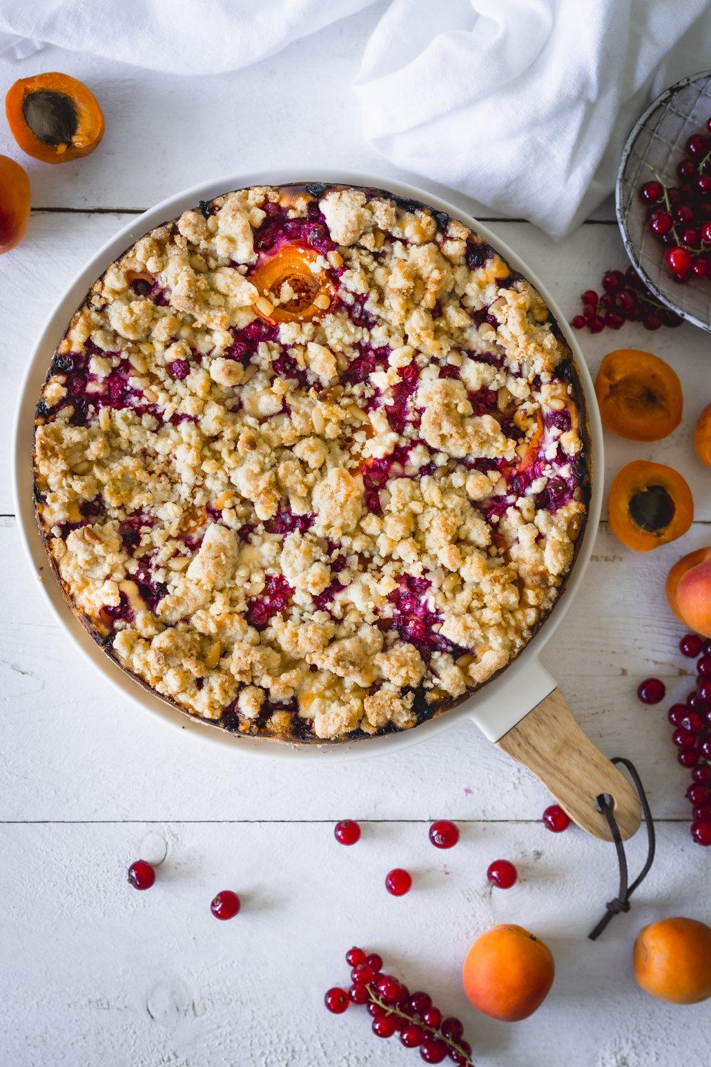 Johannisbeer Aprikosen Streuselkuchen