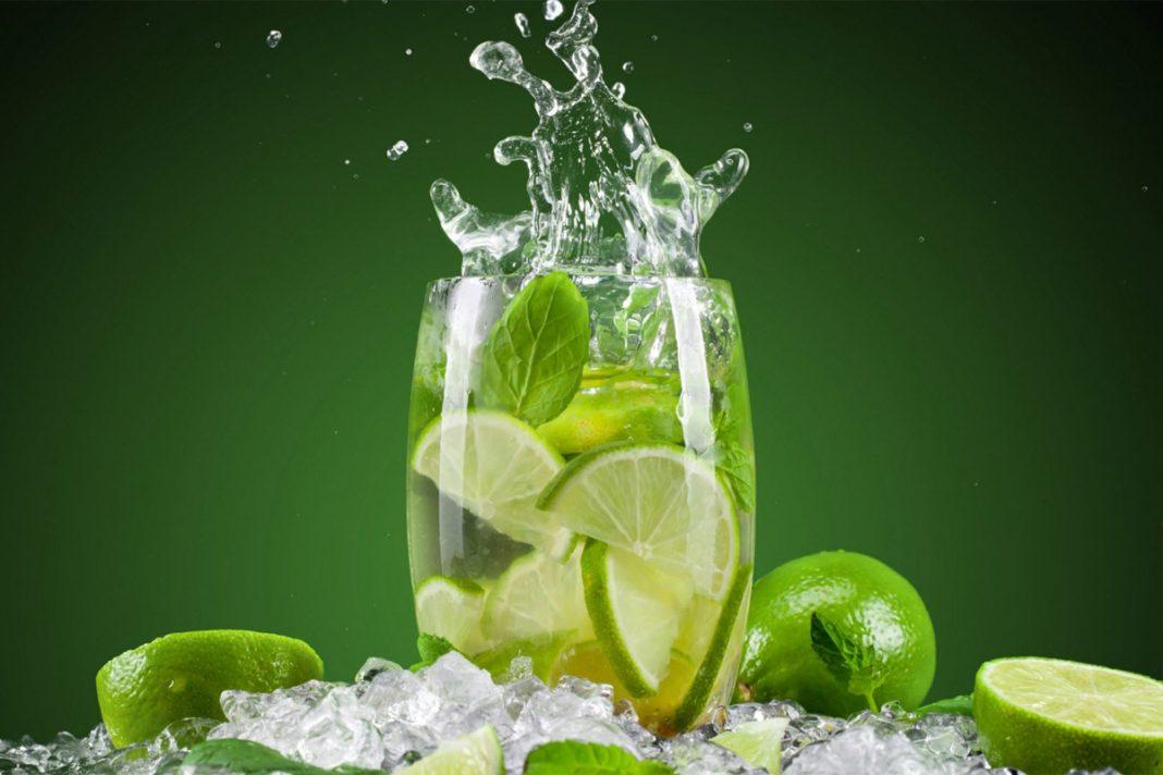 Les 7 bienfaits de l'eau citronnée