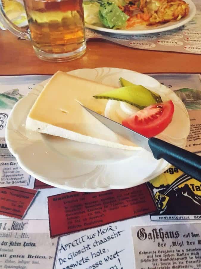 Alpstein-äscher-cheese