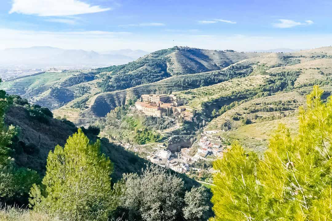 que-ver-en-Granada-Abadía-Sacromonte