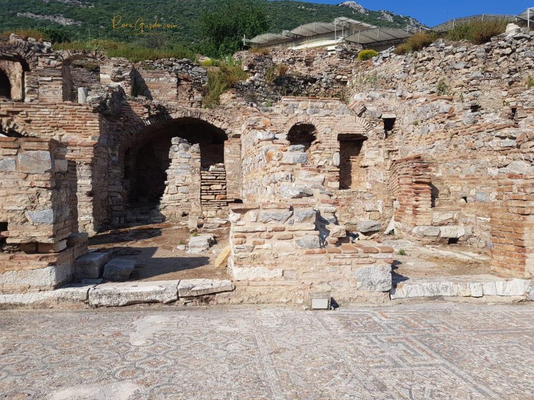 Ruangan pada Bangunan Ephesus