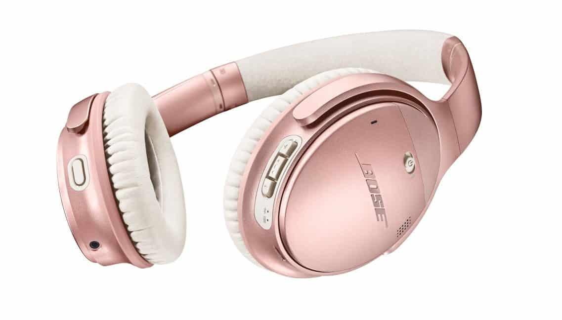 Na barvě sluchátek záleží. Poslech hudby v dámském stylu?