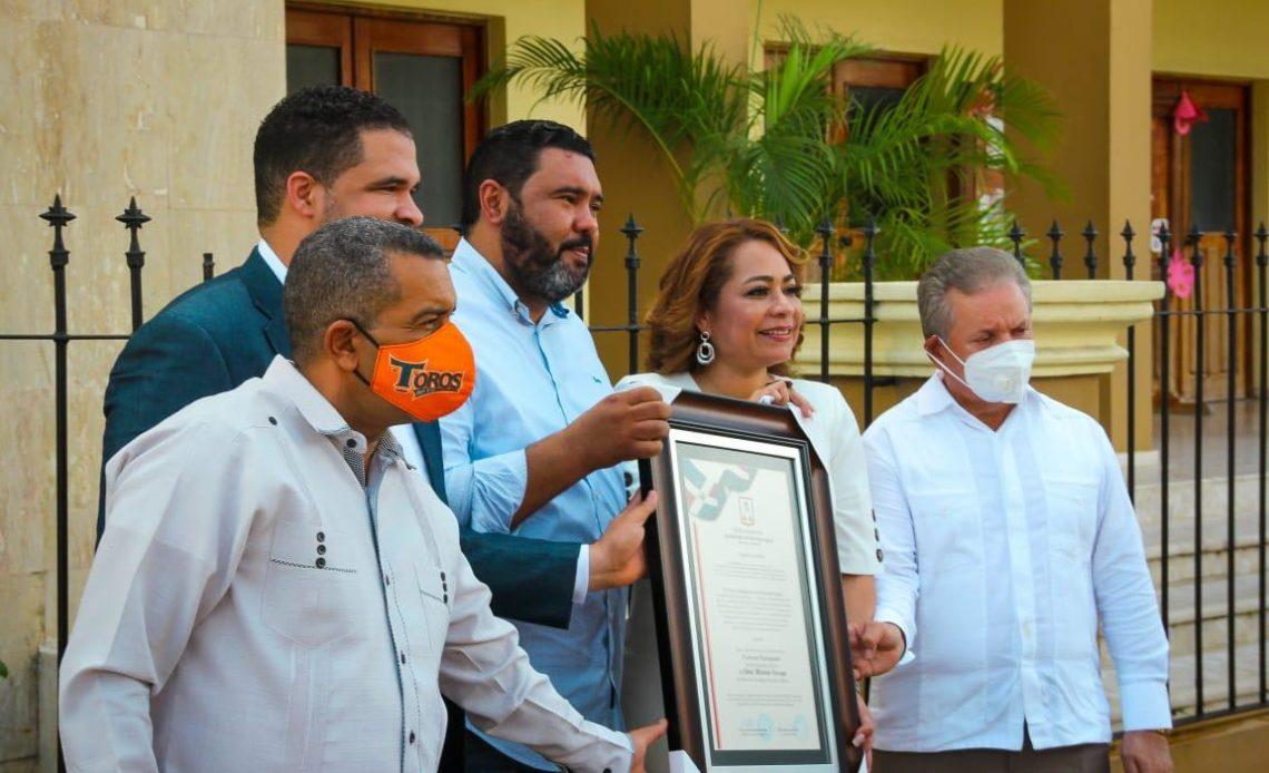 Distinción a alcaldesa de municipio mexicano