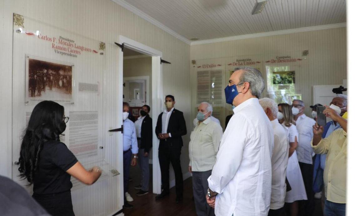 Abinader en centro de vacunación Moca