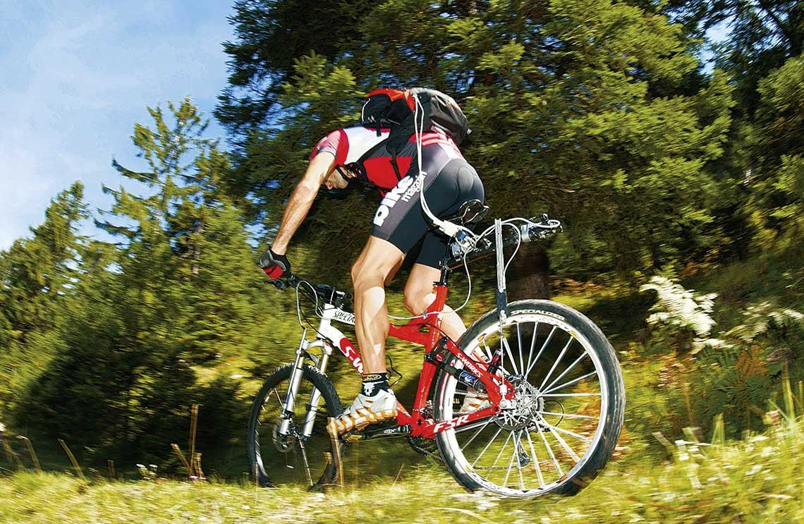 30 lat testów rowerowych w BIKE!