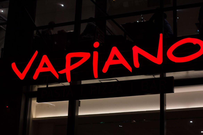 enseigne Vapiano Disney